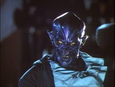 Howling-VI-The-Freaks-movie-film-horror-werewolf-vampire-1991-review-reviews-Bruce-Payne
