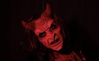 Triaphilia-movie-film-horror-anthology-2021-Joshua-Nelson-review-reviews-demon
