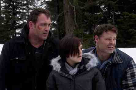 Ice-Road-Terror-movie-film-monster-2011-Syfy-review-reviews-Ty-Olsson-Brea-Grant-Dylan-Neal