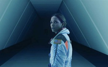 Moonfall-movie-film-sci-fi-disaster-2022-Halle-Berry