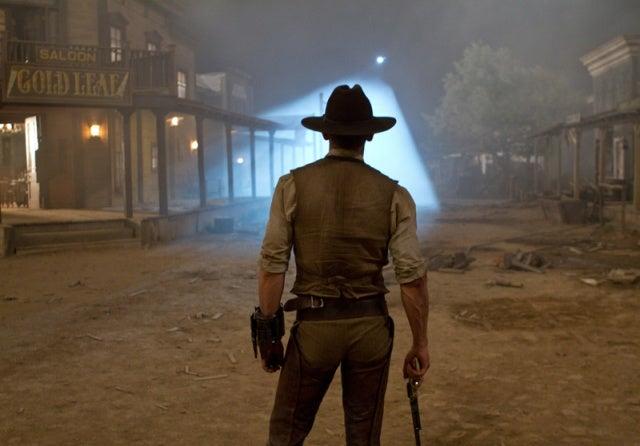 https://i0.wp.com/moviesmedia.ign.com/movies/image/article/113/1135205/cowboys-aliens-20101117102850642_640w.jpg