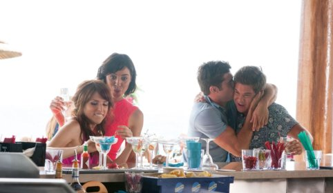 Anna Kendrick, Aubrey Plaza, Zac Efron & Adam Devine in Mike and Dave Need Wedding Dates
