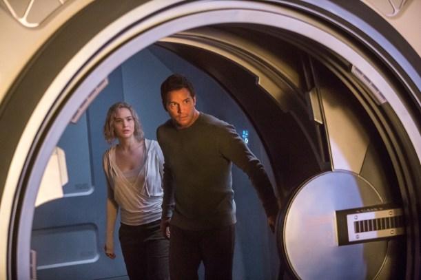 Jennifer Lawrence & Chris Pratt in Passengers