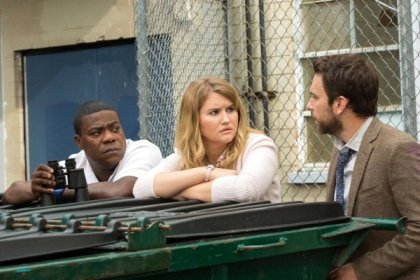 Tracey Morgan, Jillian Bell & Charlie Day in Fist Fight