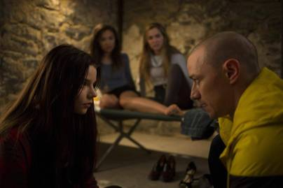 film_review_split_54889619