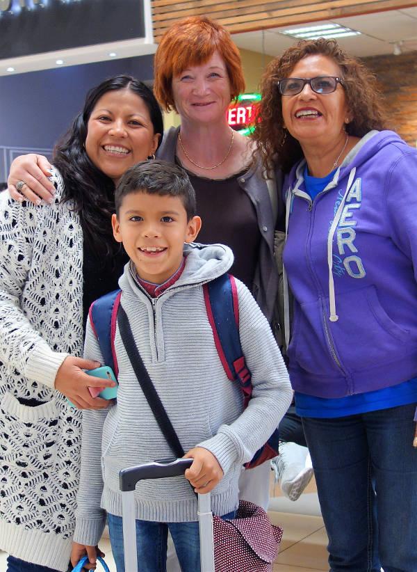 Letztes Treffen mit der Familie am Flughafen