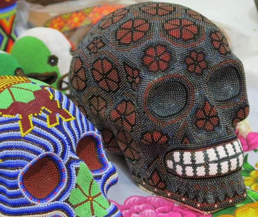 Kunst der Huicholes in San Miguel de Allende