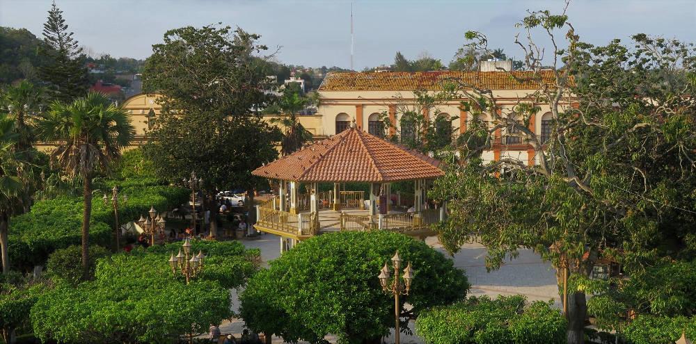 Papantla Marktplatz web - Veracruz - Auf den Spuren der Vanille in Papantla