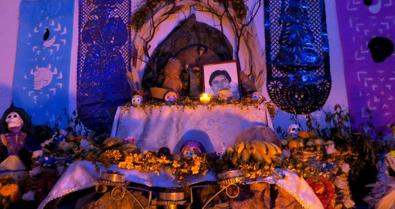 Privater Alter zu Ehren eines Verstorbenen in Xochimilco