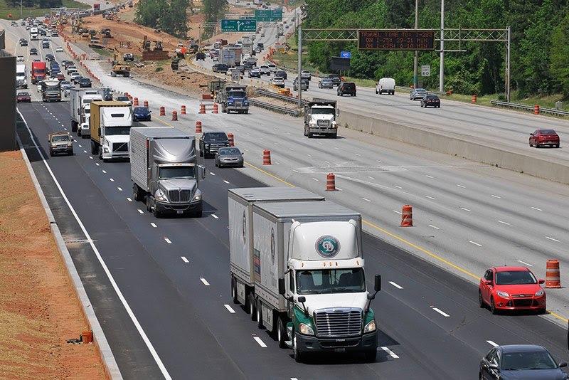 Photo of trucks on I-75 at I-675 during express lanes construction (Trucks.com photo/ Brian Hadden)