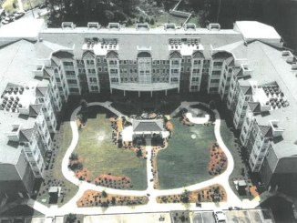 Photo of four-story senior apartments (special photo)