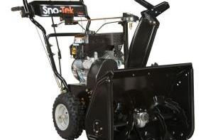 2014 Sno-Tek 920402 (Ariens Economy) 24 in 208 cc 2-stage Snow Blower Review 5