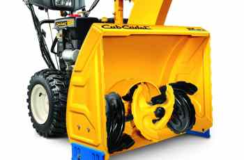 Cub Cadet 3X™ 28 & 24 inch Three-Stage Snow Blower Review 6