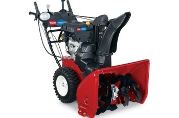 2015 Toro Power Max HD 1028 OHXE (38802) Review | You Can't Go Wrong With This Heavy Duty Snow Blower! 1