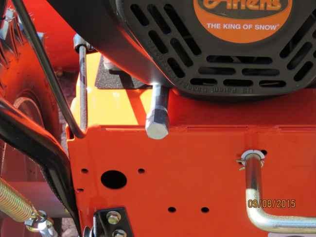 Ariens Deluxe 28 SHO Rear Oil Drain