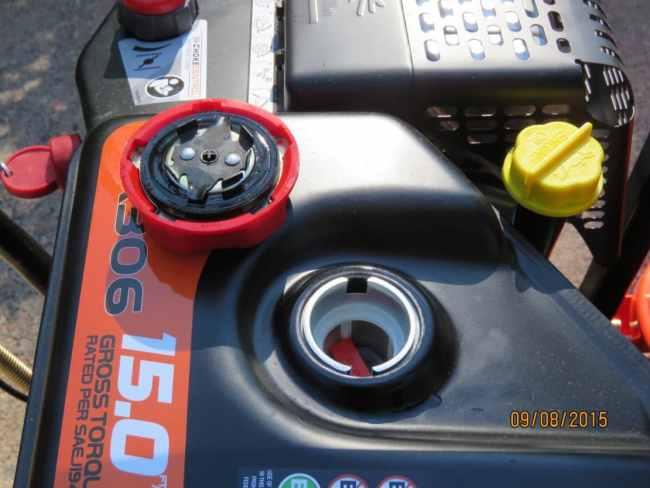 Ariens Deluxe 28 SHO Gas Cap