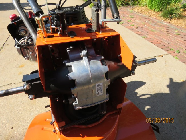 Husqvarna ST327P Snow Blower - Picture Review - MovingSnow com