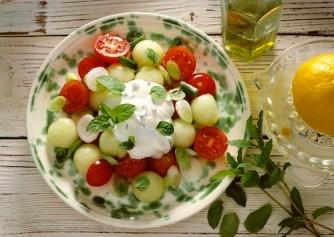 Salade de melon et de tomates au chèvre frais