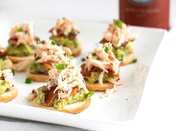 Tartines guacamole crabe