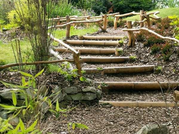 13.escalier-jardin-deco-bambou - Moving Tahiti