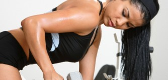 Triceps : Les exercices basiques à faire chez soi