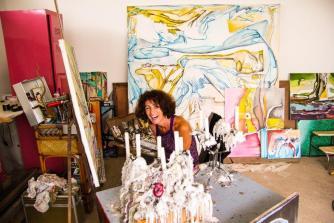 Patricia Bonnet dévoile ses toiles au Yacht-club de Arue