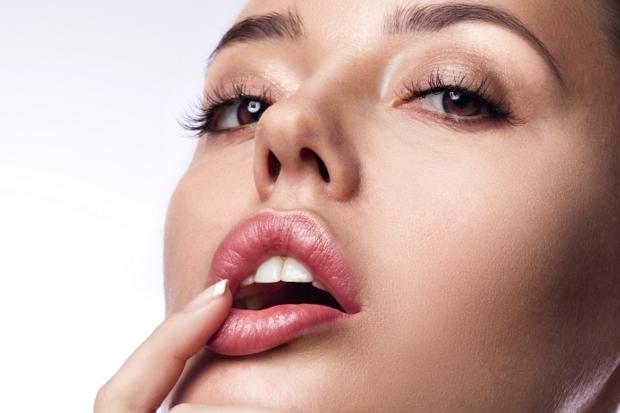 Comment-protéger-ses-lèvres-en-hiver1
