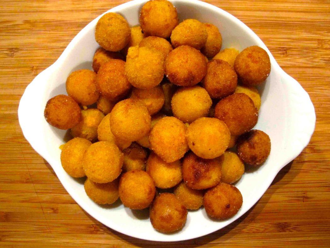 Here's Cuisine – Croquettes de fe'i au lait de coco épicé