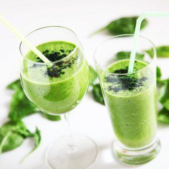 Un smoothie vert, riche en vitamines
