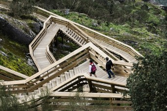 excurtion-Portugal-passerelle-en-bois3