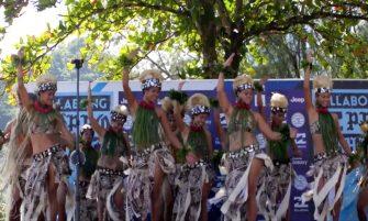 Jeremy FLORES nous embarque à Teahupoo, dans les coulisses de la Tahiti Pro