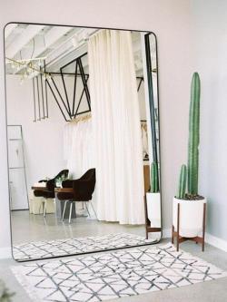 miroir-design-grand-miroir-pour-linterieur-colle-au-mur