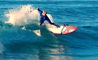 Stan Up Paddle : Kai Bates surfe une vague d'un kilomètre de long