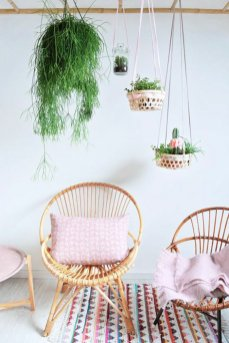 chouette-en-rose-beau-fauteuil-en-rotin-chaise-en-rotin-meuble-en-rotin-pas-cher