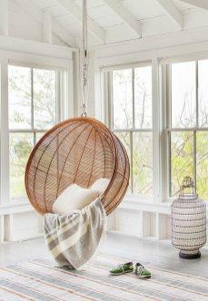 cool-chambre-a-coucher-deco-salle-de-sejour-fauteuil-rotin-ikea-idee-exterieur-balcon-terrasse-ambiance-cosy