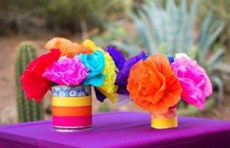 comment-faire-un-pompon-fleurs-en-papier-de-soie-dans-des-boites-de-conserve-en-guise-de-vases-e1480676788106