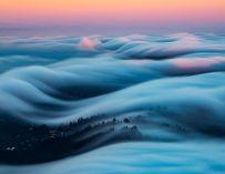 Nicholas Steinberg photographie de magnifiques vagues de brume