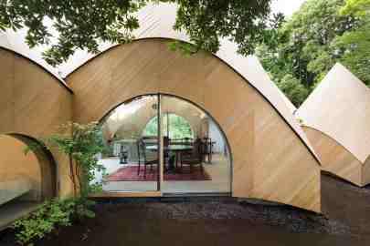 Jikka, une maison tipi située en pleine forêt au Japon 05