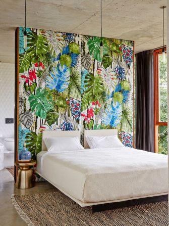 Le papier peint s'allie à la tendance tropicale et fait son grand retour