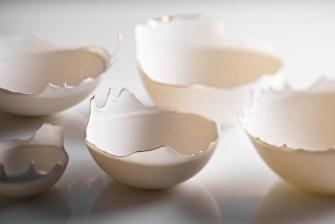 Les bols en porcelaine d'une extrême finesse de l'artiste Aylin Bilgiç