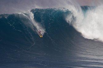 Quand Chuck Patterson skie les vagues de Jaws