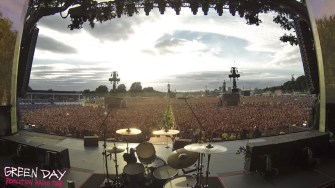 65 000 fans de Green Day reprennent « Bohemian Rhapsody » de Queen