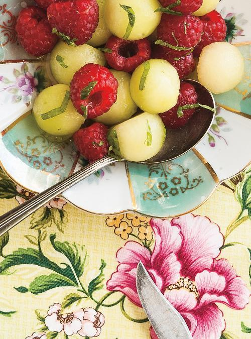 Salade de framboises, melon et menthe