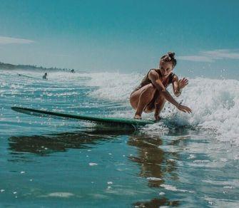 J'ai essayé le surf pour la première fois et c'est super dur !