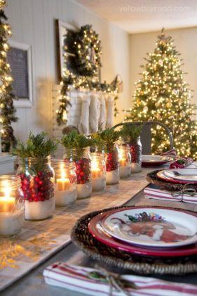 Une table raffinée au décor rustique chic pour Noël 21