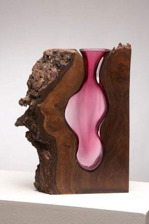 Vases-en-Verre-emboîtés-par-des-Formes-en-Bois-par-Scott-Slagerman-Studio-01