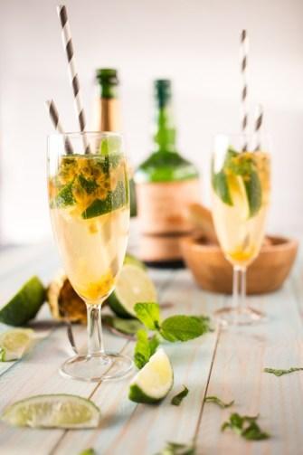 Mojito royal au champagne et aux fruits de la passion