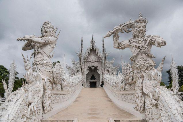 Le temple blanc de Thaïlande 08