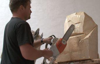 Les sculptures à la tronçonneuse de l'artiste Jürgen Lingl-Rebetez 06