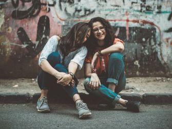 Comment aider un ami qui traverse des moments difficiles ?